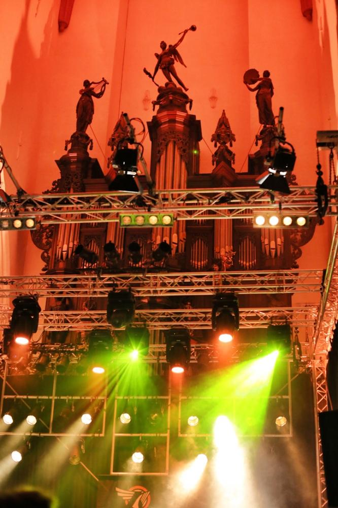 Uhke puitorel Der Aa-Kerk'is.