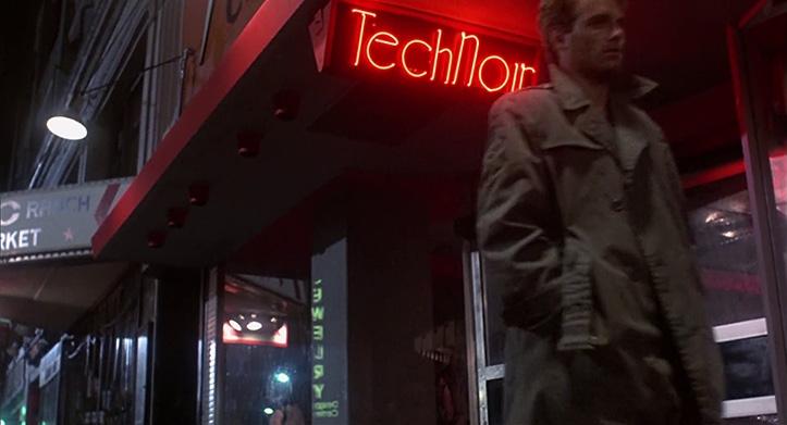 AJASTUVAIM. Kaevikumantlis Kyle Reese neoontulede valguses. Aatomiteadlaste metafooriline maailmalõpukell näitas sel aastal kolme minuti pärast keskööd. Juhtumisi on sama näit ka tänavu.