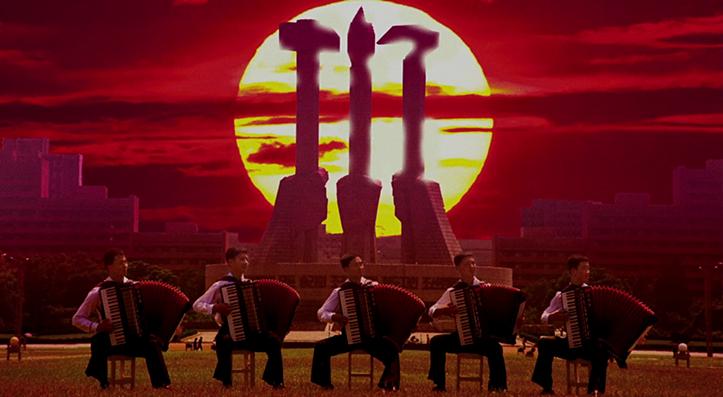 Põhja-Korea akordionistad viimase riigimoe järgi timmitud kaadris kuuma andmas.