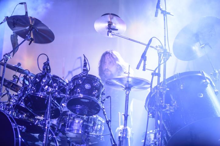 Marco Minnemann. Tema stiil ja käekiri meenutas veidi Foo Fightersi trummarit Taylor Hawkins'it. Väga energiline. Väga kiire. Aga samas väga täpne ja dünaamiline.