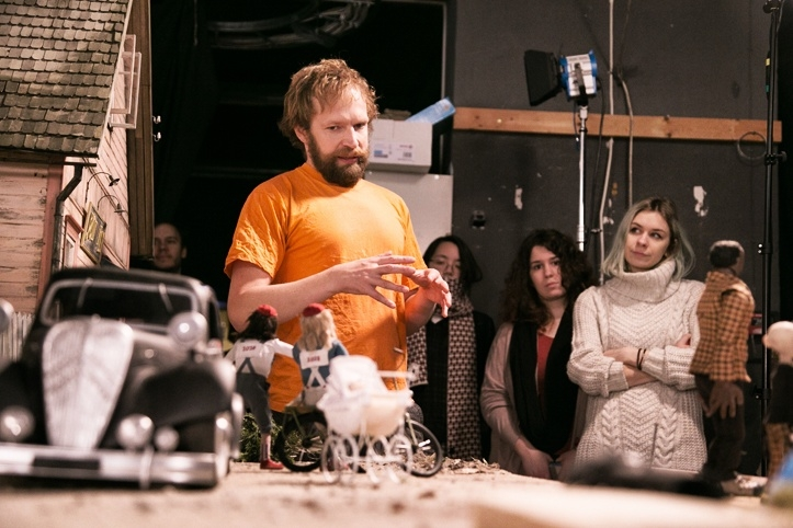 Kaspar Jancis ja Nukufilmi stuudio Tallinnas Niine tänaval. Sügis 2015