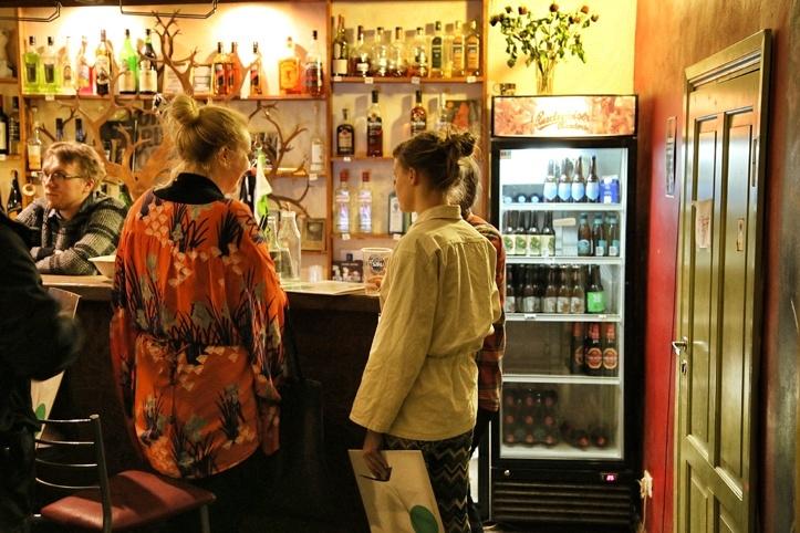 Arhiivi keldribaar, nõudlus tumedale õllele ja punasele veinile on meeletu.