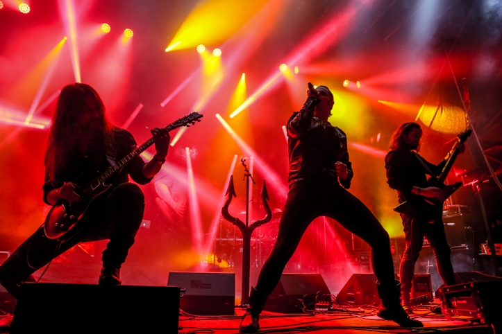 Satyricon on minu jaoks jällegi liiga teatraalne, vaks vahet on selles, kas näed neid laval või kuulad klappidest. Kindlasti-kindlasti-kindlasti jube hea live-bänd just paljudele, kes armastavad šõud.
